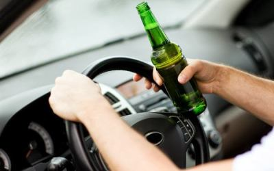 Cercetat de către polițiști pentru conducerea unui autoturism sub influența alcoolului