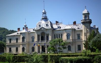 Palatul Ghica a fost cumpărat de Primăria Comănești