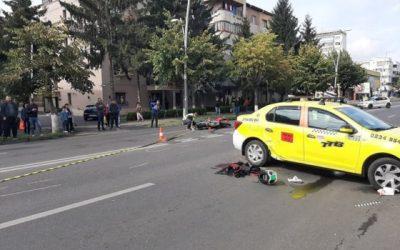 Accident grav la Orizont! Un motociclist a ajuns sub roțile unui taximetru (FOTO)