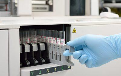 Bacăul are trei laboratoare autorizate pentru testarea suspecților de Covid 19