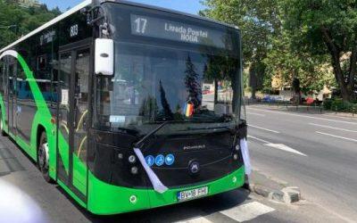 Șoferii de autobuze din Brașov, solidari cu șoferul băcăuan încătușat ieri