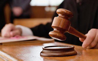 Arest la domiciliu pentru cinci angajați de la Ocolul Silvic Comănești