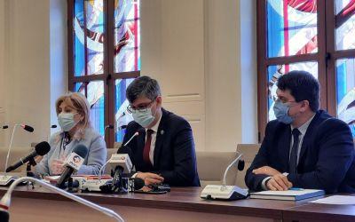 """(VIDEO) Prefectura pune pe """"hold"""" Primăria și Consiliul Județean Bacău"""