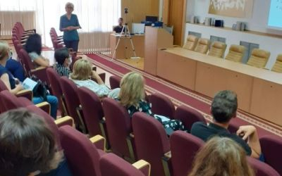 """Conferința Metode e-learning de creștere a potențialului de angajabilitate a persoanelor cu dizabilități la Universitatea """"Vasile Alecsandri"""" din Bacău"""