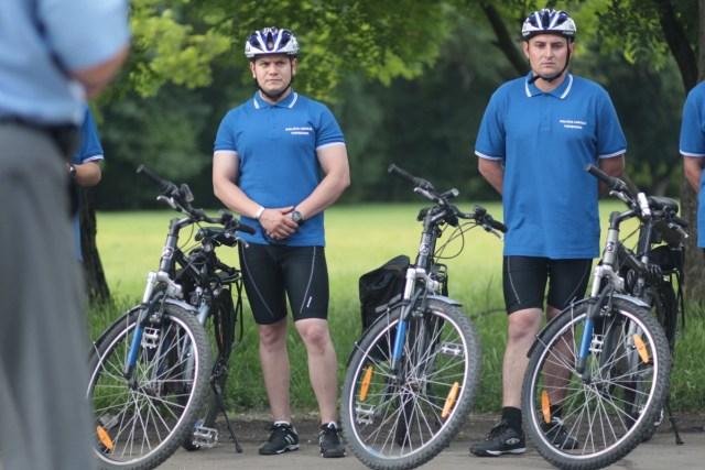 politisti pe biciclete2