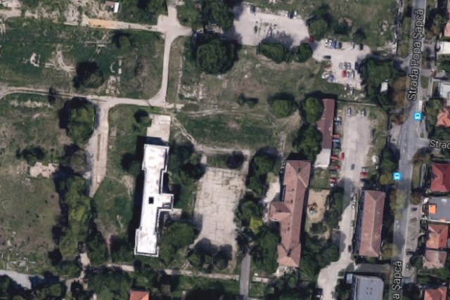 Iluzii pentru o parcare pe terenul Universităţii de Vest, de pe strada Oituz