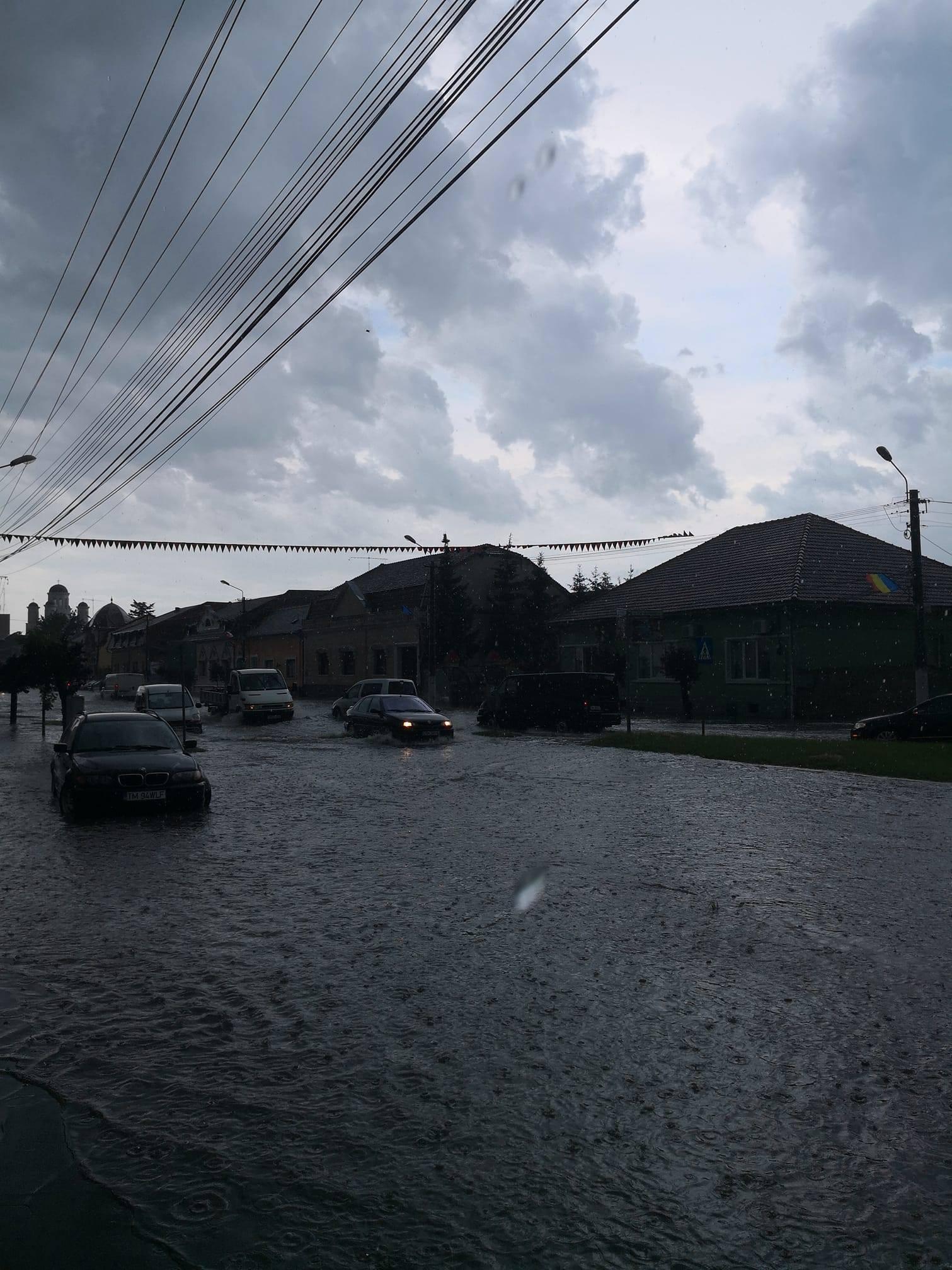 Iulius mall timisoara inundating