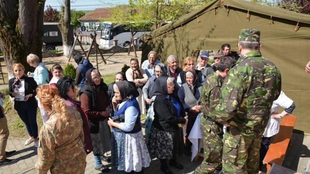 Caravana militara Uniti sub tricolor prin sanatate