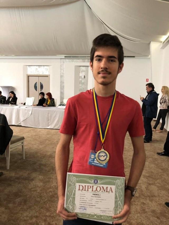 Vlad Oros, aur la Olimpiada de Fizică