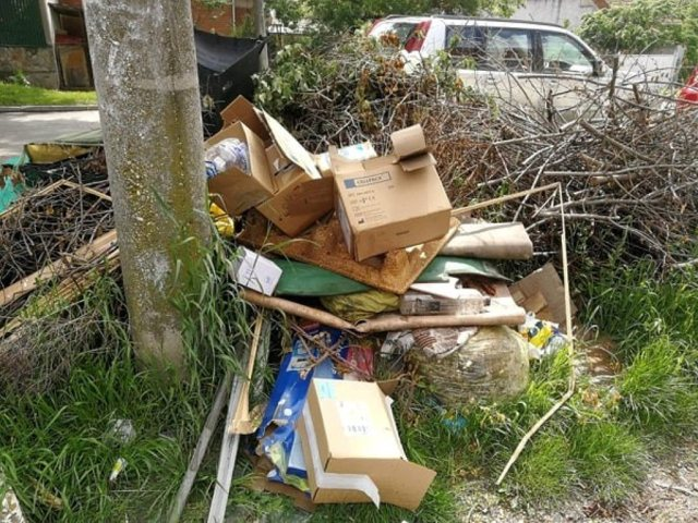Zeci de amenzi pentru cei care-și aruncă gunoiul în spațiul public
