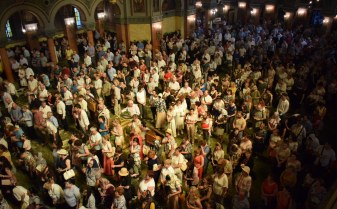 Plin de credincioși la Catedrala Mitropolitană din Timișoara, de Rusalii