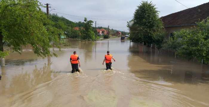 Cod galben de inundații în Timiș și Caraș-Severin