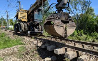 Călătorie de coşmar pentru pasagerii a două trenuri plecate de la Timişoara spre Mangalia