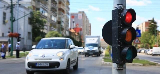 """Cum trebuie şoferii din Timşoara să vadă """"după colţ""""?"""