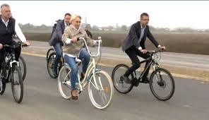Viorica Dancila pe bicicleta