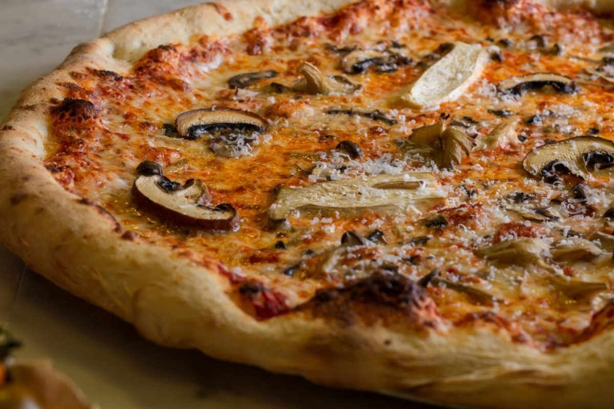 Craft Pizza Mehadrin Jerusalem Mushroom Pizza