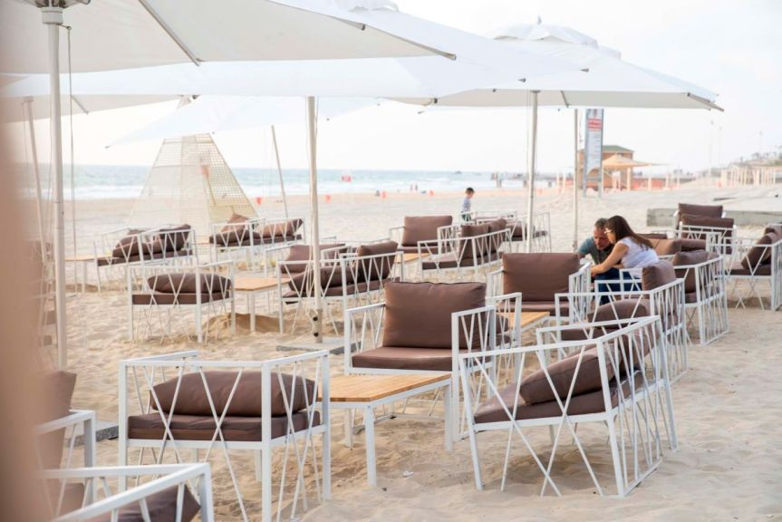 Talassa Greek Restaurant - Bat Yam Beach - Not Kosher - Tables