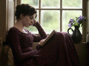 anne-hathaway-in-becoming-jane