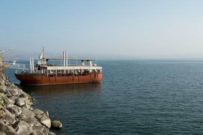 遊湖的觀光船