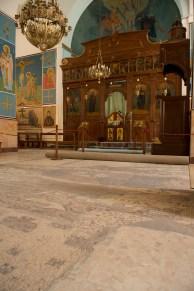 教堂不大,亮點就是地上的馬賽克地圖