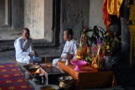 DSC_0149 bouddistes monks
