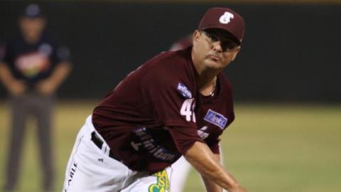 Francisco Campos, pitcher de Tomateros de Culiacán