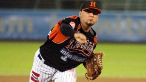 Miguel Ruiz, pitcher de Naranjeros de Hermosillo