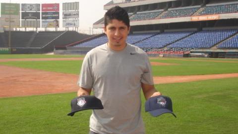 Ramiro Peña de Yankees de Nueva York en el Estadio de Beisbol Monterrey