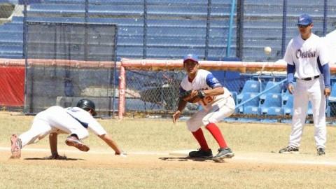 Final de torneo de beisbol en Mazatlán
