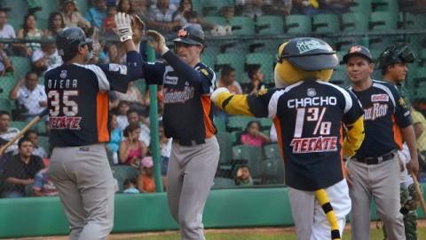 Douglas Clark de Tigres de Quintana Roo en Tabasco