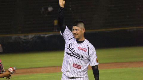 Walter Silva de Sultanes de Monterrey lanzó sin hit ni carrera ante Rieleros