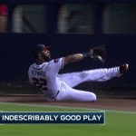 Video: Heyward ejecuta gran atrapada en terreno de foul