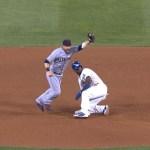 Video: Triple play después de dos revisiones
