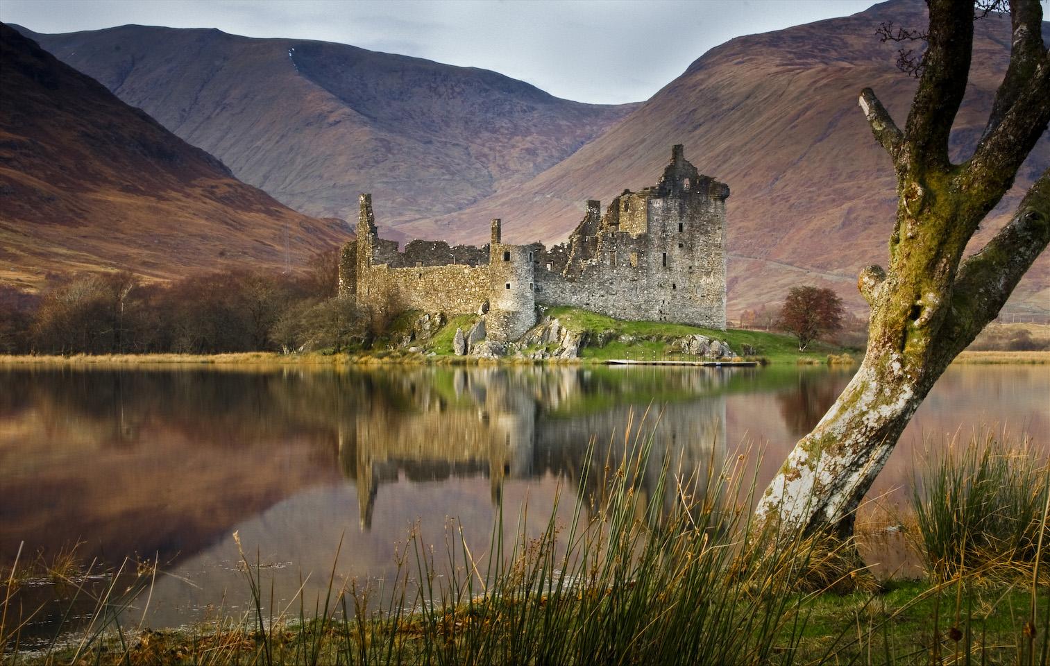 Kilchurn_Castle_Loch_Awe_Scotland_06