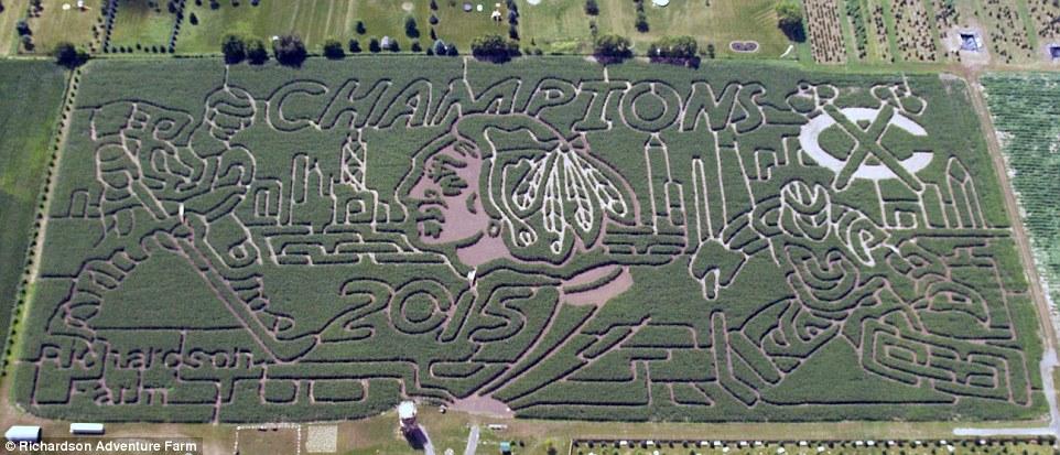 2C0A6A6100000578-3221436-Richardson_Adventure_Farm_Illinois_Over_70_000_flock_to_attempt_-m-14_1441634490117