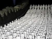 Enorme reunión de Stormtroopers en la Gran Muralla de China para promover la nueva película de Star Wars