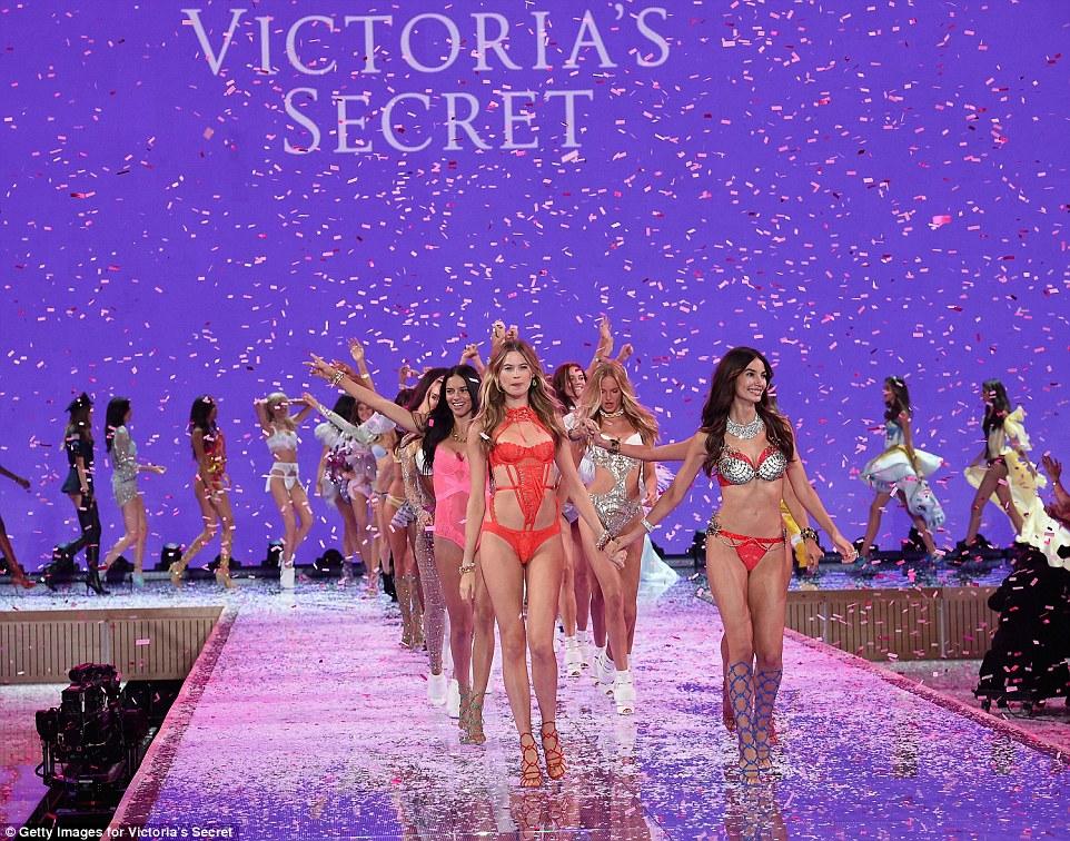 2E53EB2100000578-3312676-The_finale_In_April_Victoria_s_Secret_announced_its_10_new_Angel-a-31_1447251514630
