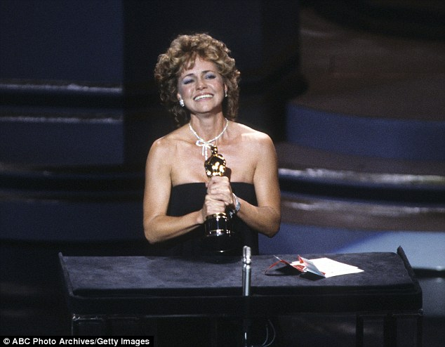 3101E34200000578-3437766-In_1985_a_clearly_emotional_Sally_Field_accepted_the_award_for_B-a-82_1455293397788