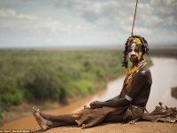 El mundo perdido del valle del Omo: fotografías increíbles revelan las comunidades tribales vírgenes de Etiopía.