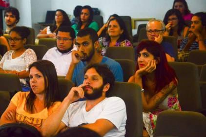 Público atento às falas dos convidados
