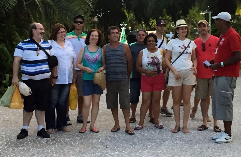 De Boa com um grupo em Praia do Forte