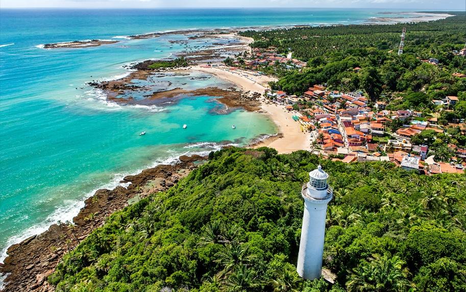 Traslado para Morro de São Paulo, vila situada na Ilha de Tinharé, município de Cairu, estado da Bahia, região conhecida como Costa do Dendê, e possui suas raízes históricas no Brasil Colônia.