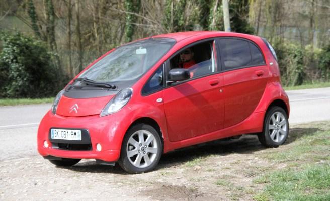 Rouler en voiture électrique, avis et guide pratique.
