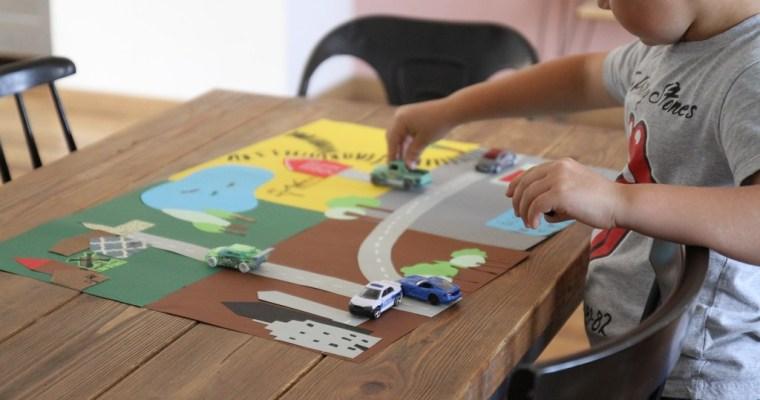 Un tapis de jeu en papier
