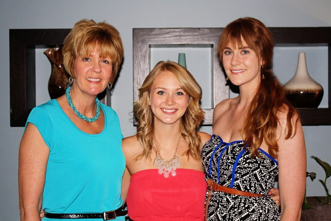 Mom + daughters
