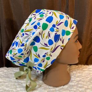 scrub hat with tulips