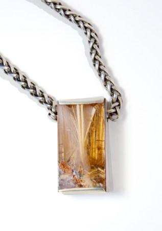 neckpiece_sterling_quartz