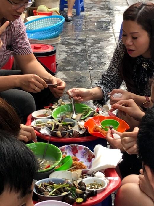 Hanoi street food Oc Nong Ha Trang