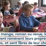 DANS CE COLLÈGE, LA LECTURE EST OBLIGATOIRE, Y COMPRIS POUR LES PROFESSEURS