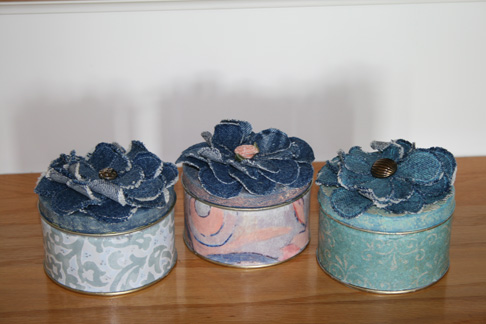 Upcycle Tins with Denim Flowers 2